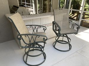 2 Outdoor patio bar stools for Sale in Lutz, FL