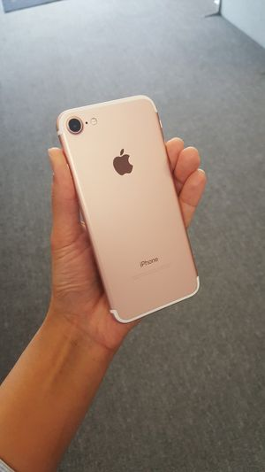 iPhone 7 32gb AT&T, Cricket and Straight talk for Sale in Raleigh, NC