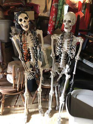 Halloween 5ft Skeleton for Sale in Vidalia, GA