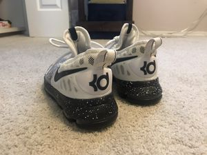 Nike Zoom KD 9 Basketball Shoes (Men 8.5) for Sale in Anchorage, AK