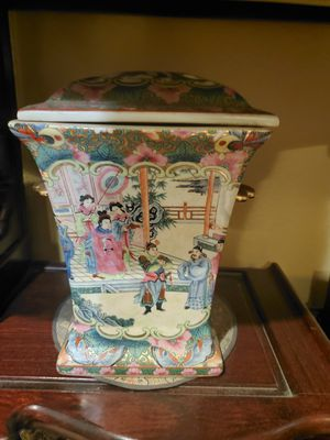 Chinese vase for Sale in Fountain Valley, CA