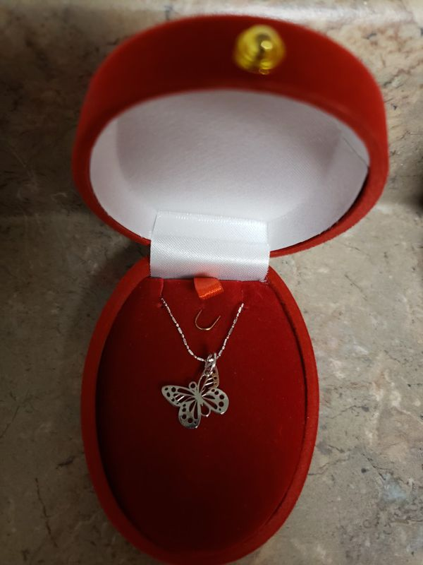 18k Italian white gold necklace and butterfly pendant