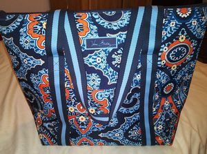 Vera Bradley INSULATED COOLER BAG *(see my listings for matching INSULATED DIAPER/MULTI-PURPOSE BAG) for Sale in Winter Haven, FL