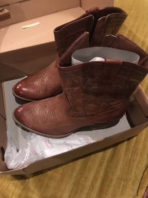 SIZE 8 WOMENS COWBOY BOOTS for Sale in Los Angeles, CA