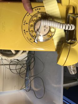 Vintage Phones - Yellow Wall Phone - Tan Tabletop Phone for Sale in Fairfax,  VA