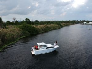 Bayliner 2859 28 foot boat 1999 for Sale in Boca Raton, FL