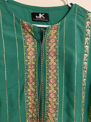 Pakistani kurti / tunic and duppata indian for Sale in South Brunswick Township, NJ
