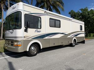2003 Fleetwood flair. 31A for Sale in North Miami Beach, FL