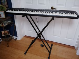 Williams Legato III Keyboard with Stand for Sale in Casselberry, FL