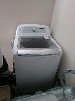 White Kenmore Elite Washer Model 31522 for Sale in Houston, TX