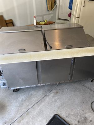 Beverage air sub & salad frig for Sale in Middletown, PA