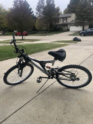 Mountain Bike (As Is) for Sale in Sterling Heights, MI