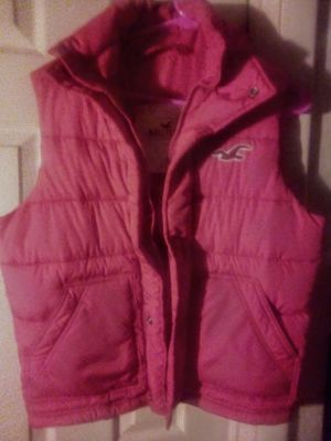Woman's Hollister puffer vest for Sale in Acampo, CA