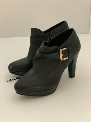 Woman's Ankle Boots for Sale in Montebello, CA