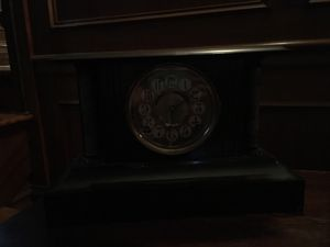 Antique mantle clock for Sale in St. Louis, MO