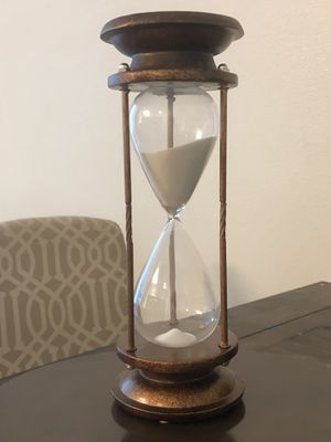Beautiful Vintage Hourglass for Sale in Bloomington, CA