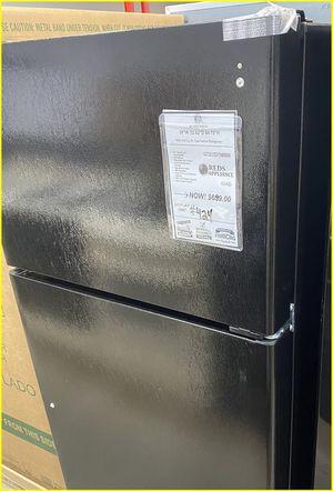 GE Black Top/Bottom Fridge #424 for Sale in Farmingdale, NY
