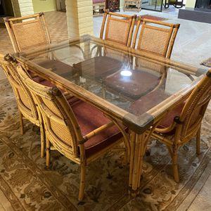 Rattan Dinning table With 6 Chairs for Sale in Phoenix, AZ