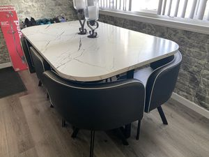 Dining room table set for Sale in Oxon Hill, MD