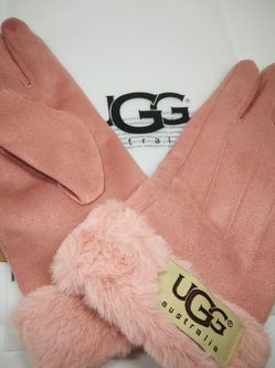 New Ugg Pink Gloves 😍💖Warm Your Dearest Hands💗💕💗💞 M-sz for Sale in Needham,  MA