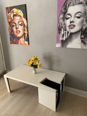Modern white high gloss coffee table for Sale in Chino Hills, CA