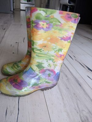 Girls floral rain boots size 1 for Sale in Citrus Heights, CA