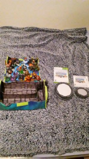 (Negotiable) Skylanders 20 peice set with case and either xbox 360 or 3ds copy of game for Sale in Federal Way, WA