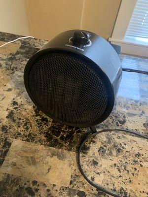 Honeywell Space Heater sleek black electric unit for Sale in Mankato, MN
