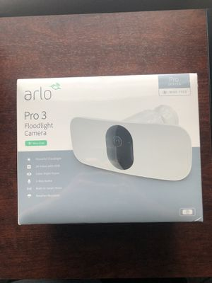 Arlo Pro 3 Floodlight Camera for Sale in Wahneta, FL