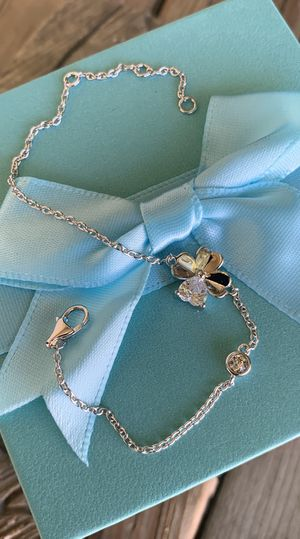 Brand New! Solid Sterling Silver W/925 Stamp And AAA+ CZ 4 Leaf Clover Lucky Charm Bracelet 🍀 Very Elegant And Classy, Comes With A Beautiful Gift Box for Sale in Redlands, CA