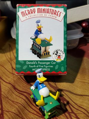 Hallmark Disney Merry Miniatures Donald Duck for Sale in St. Louis, MO