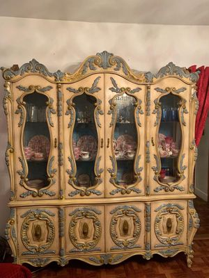 Antique China Cabinet/ table & chair set for Sale in New York, NY
