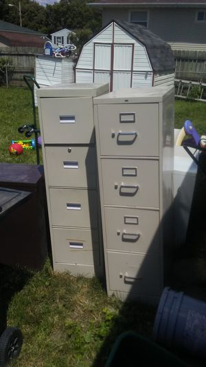 Big 4 drawer metal file cabinet with lock for Sale in Columbus, OH