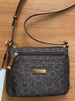 Authentic CALVIN KLEIN Small Crossbody Bag, Brand New with Tags , MSRP $88, Brown for Sale in Surprise,  AZ