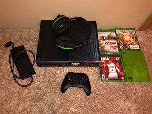Xbox One, With 600 stealth turtle beach headset, and games for Sale in Elyria, OH