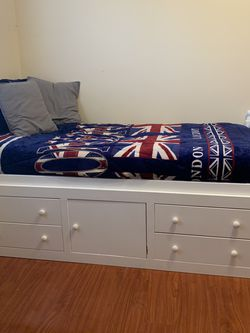 Twin Bed for Sale in Yorba Linda,  CA