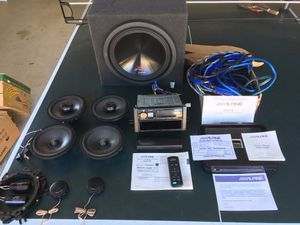 ALPINE 900 Watt R Series complete system almost new for Sale in Oceanside, CA