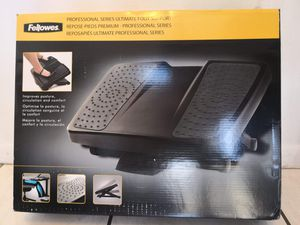 New Fellowes foot rest for Sale in Kissimmee, FL