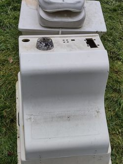 Small Boat Center Steering Console With Seat for Sale in Camano,  WA