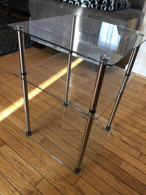 Glass end/console table for Sale in Sterling, VA