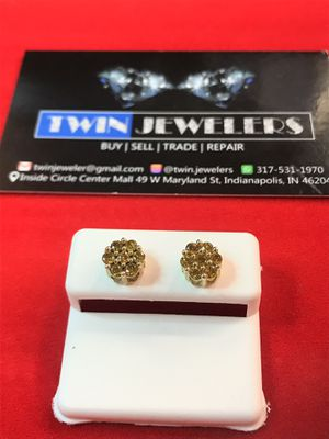 10Kt Floral Gold Diamond ear rings low price for Sale in Indianapolis, IN
