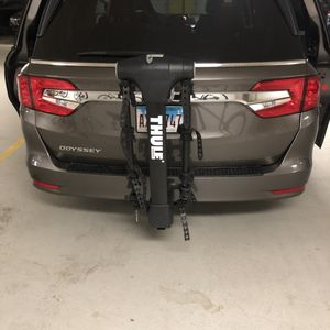 """Thule 5 Bike Rack w/ 2 """" Inch for Sale in Chicago, IL"""