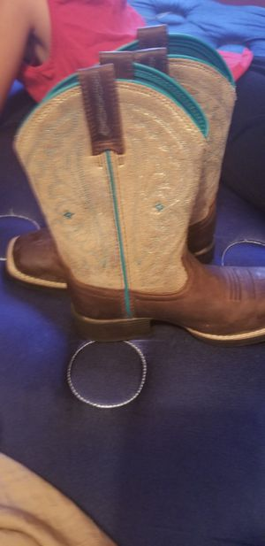Toddler girl cowboy boots for Sale in Odessa, TX