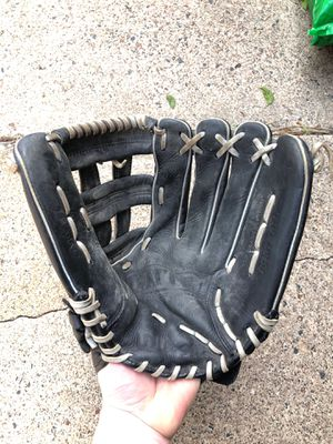 Wilson Elite men's softball glove for Sale in Arden Hills, MN