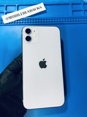 Apple iPhone 11 64gb Unlocked for ANY carrier (Purple) w/APPLE WARRANTY 🏆TRUSTED SELLER🏆 for Sale in Fresno, CA