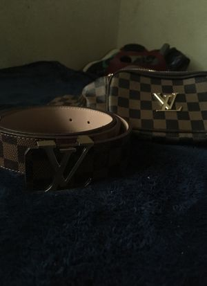 Louis Vuitton's fanni pack/ Belt for Sale in Cheverly, MD