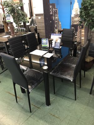Dining Table with 6 Chairs No credit financing available for Sale in North Highlands, CA