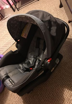 Infant car seat for Sale in Pleasant Garden, NC