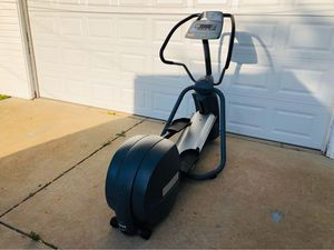 Elliptical - Cardio - Training - Precor EFX 5.21i - Workout - Gym Equipment - Fitness - Exercise for Sale in Downers Grove, IL