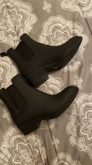 Jeffrey Campbell rain boots size US 6 for Sale in El Paso, TX